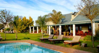 Garden Route Familienreise - Mooiplaas Guest House - Pool