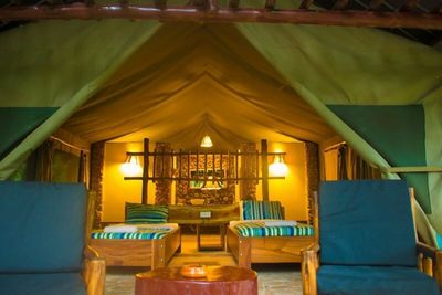 Uganda_Queen Elizabeth Nationalpark_Kibale Forest Camp_Safari-Zelt innen