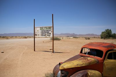 Namibia mit Kindern - altes Auto Solitaire