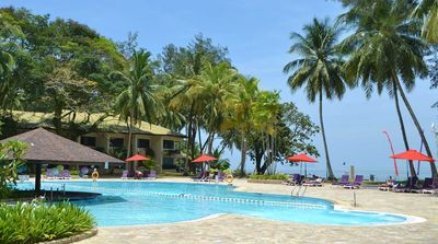 Malaysia Familienreise - Malaysia for family individuell - Kuching - Damai Beach Resort - Pool