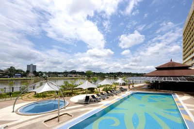 Malaysia Familienreise - Malaysia for family individuell - Kuching - Grand Margherita Hotel - Pool