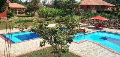Uganda Familienurlaub - Uganda Family & Teens - Kabalega Resort Pool
