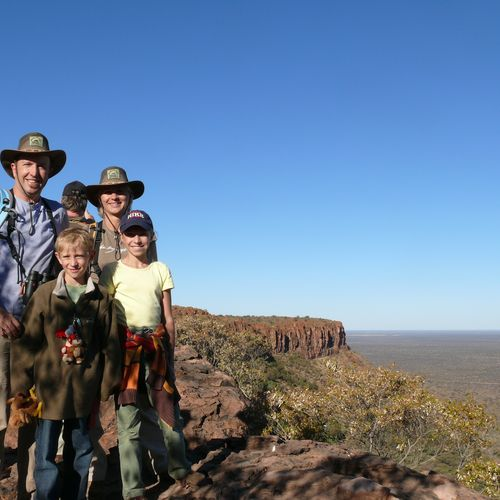 Namibia mit Kindern - Namibia for family - Familienfoto am Waterberg