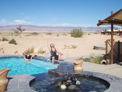 Namibia mit Kindern - Namibia for family - Desert Camp Pool