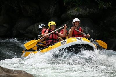 La Reunion Familienreise - La Reunion for family individuell - Gruppe beim Rafting